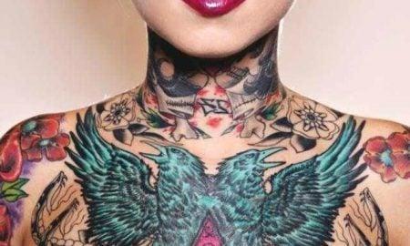 Die Tendenz bei den Frauen Tattoos
