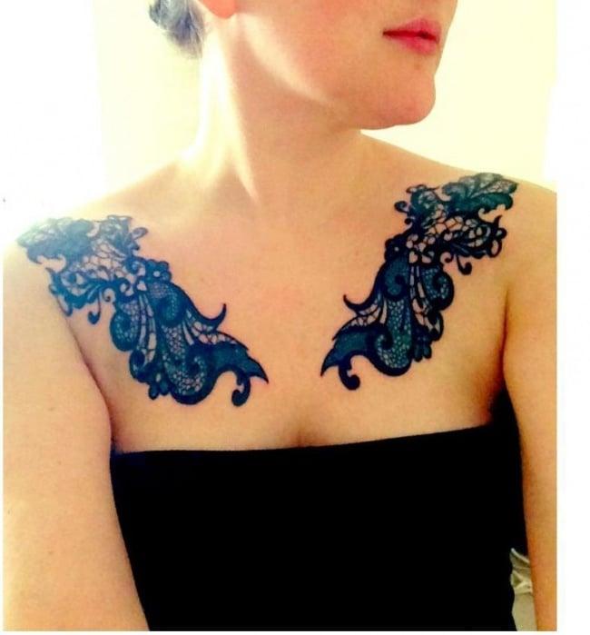Ideen für Frauen Tattoos auf der Brust