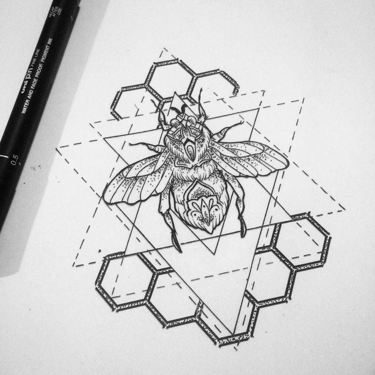 Eine Brust Tattoo Skizze