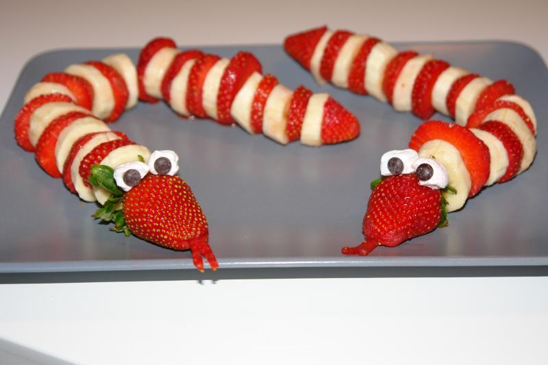 Tolle Obstschlangen für hungrige Kinder