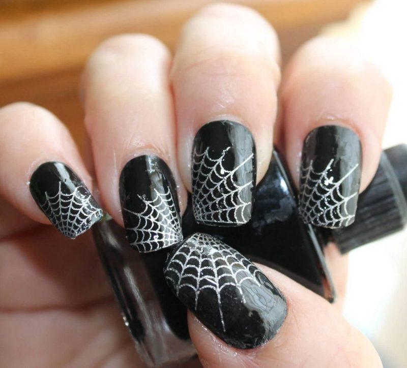 Halloween Nägel Spinne Netz