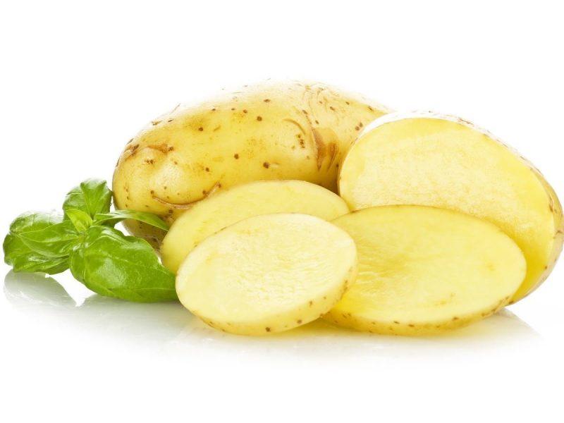 gelbe frische Kartoffeln kochen