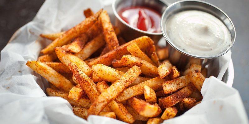 Wie lange müssen Kartoffeln kochen und welche Saucen passen dazu?