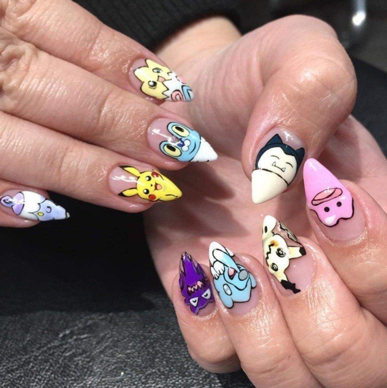 Lustige Fingernägel-Bilder