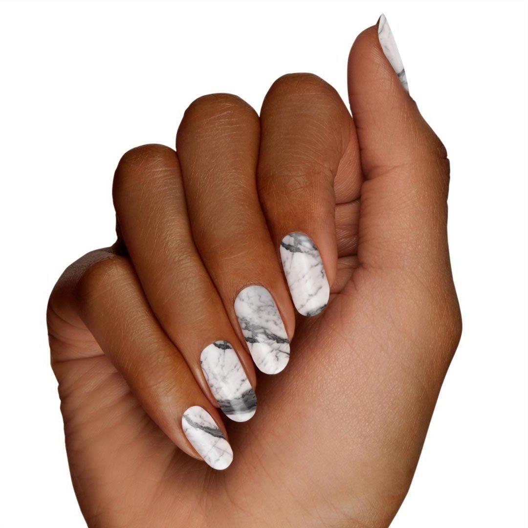 Der neuste Trend - Marmormuster auf die Nägel