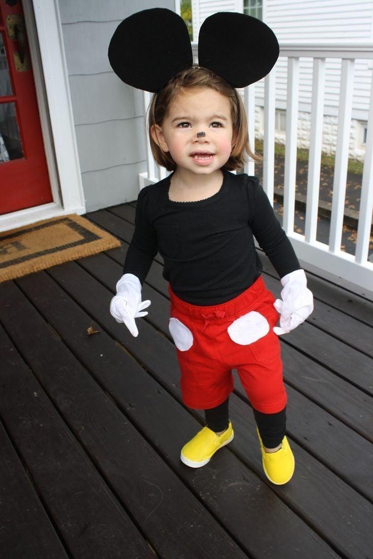 Eine süße Minnie, deren Kostüm jeder nachmachen kann