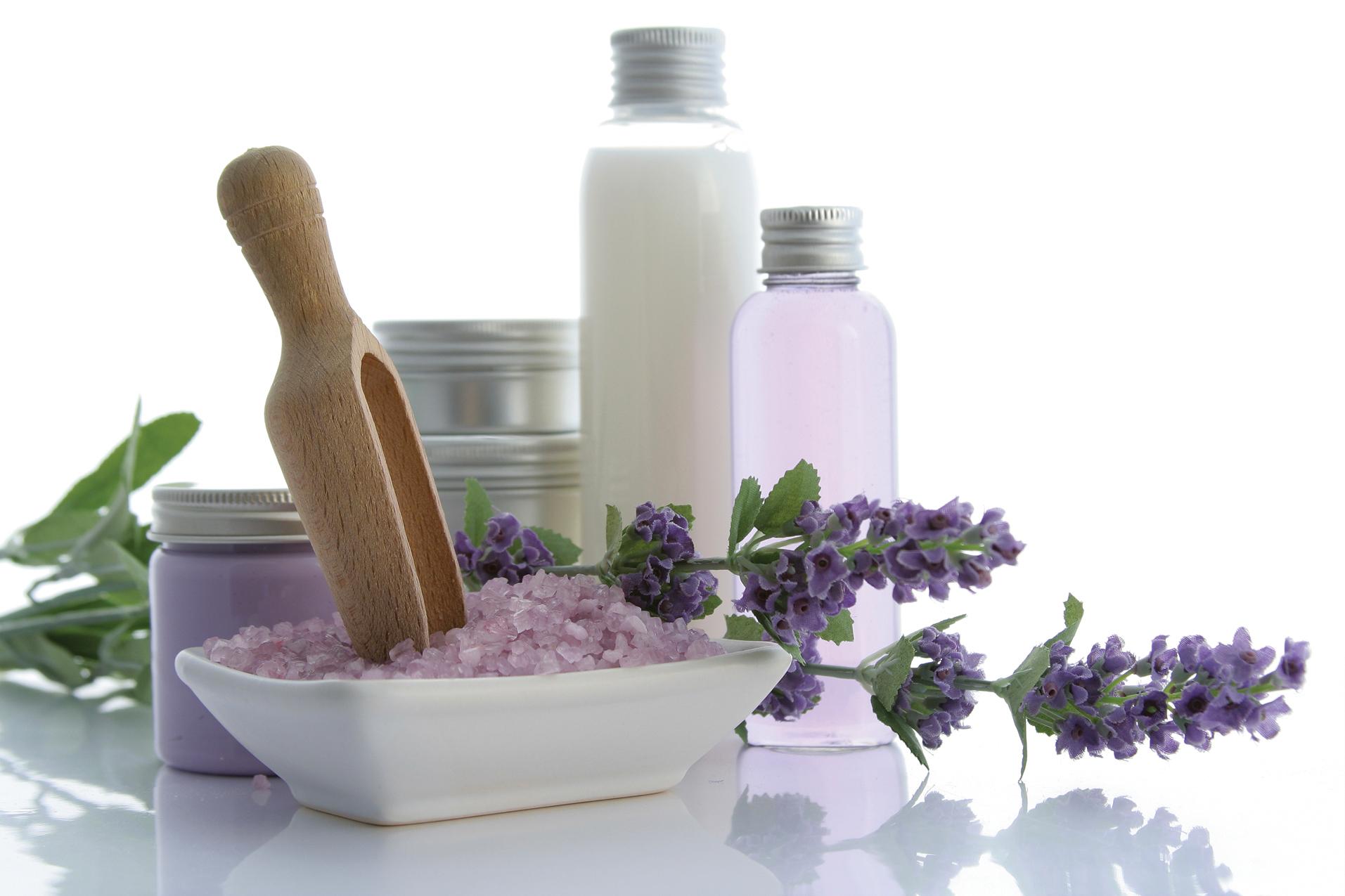 Körper und Gesichtspflege mit Lavendelduft