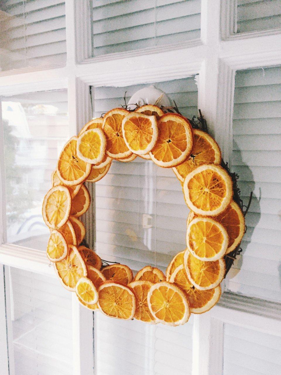 Türkranz Weihnachten aus getrockneten Orangenscheiben