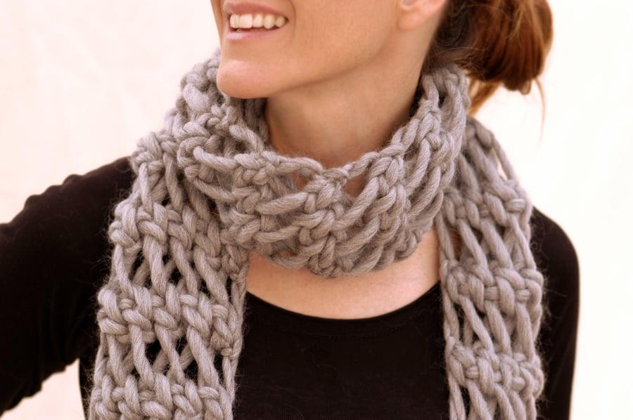 Wie strickt man einen Loop Schal?