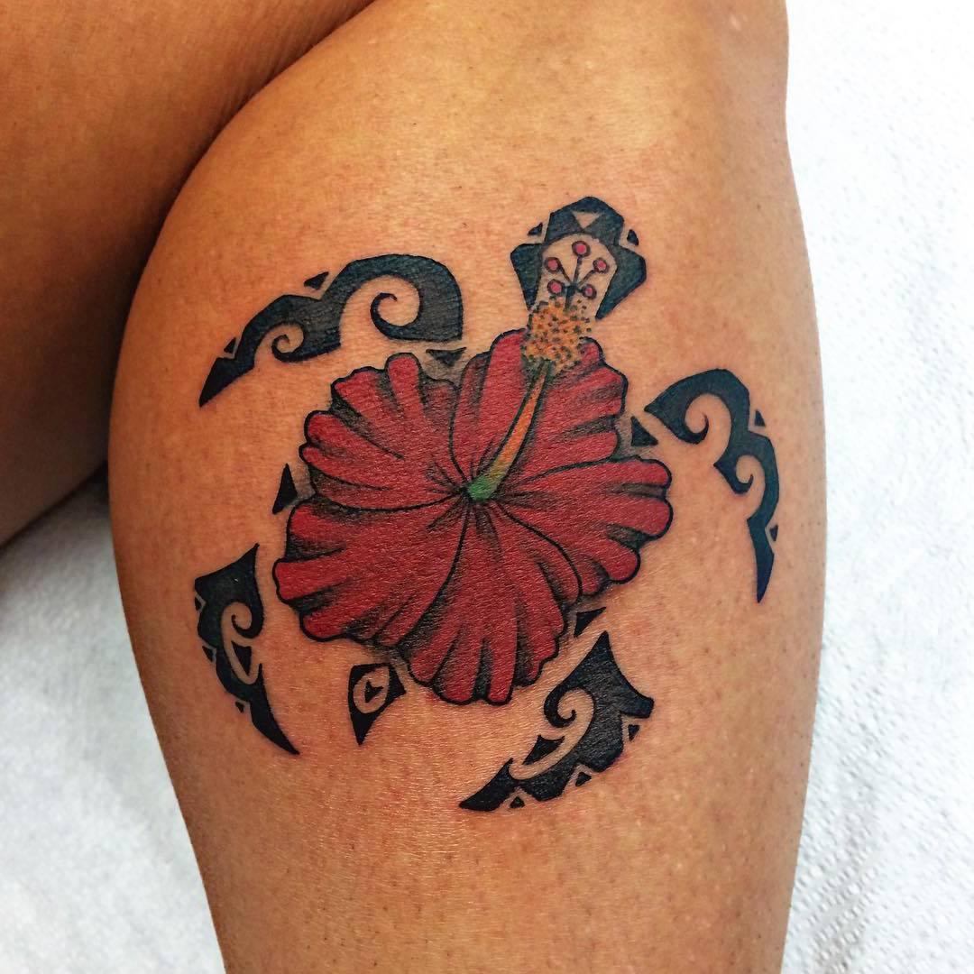 schöne Kombination aus Blume und Schildkröte
