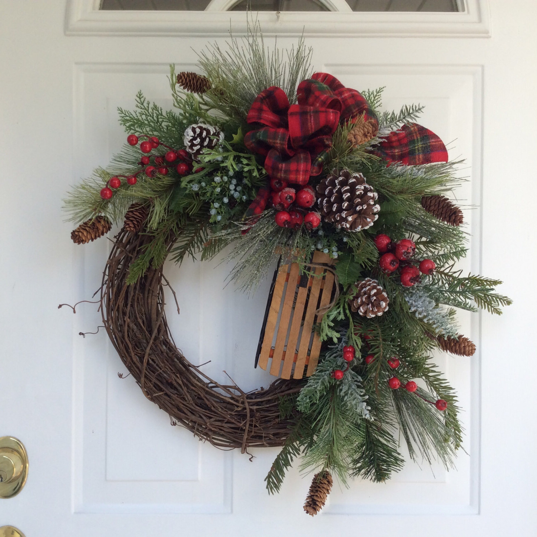 schön dekorierter Kranz Weihnachten
