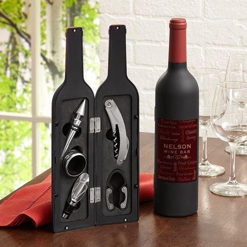 Eine Flasche Wein mit Gravur - mehrere Weihnachtsgeschenkideen finden Sie hier!