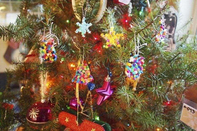 Bügelperlen Vorlagen Weihnachten Christbaumschmuck selber basteln