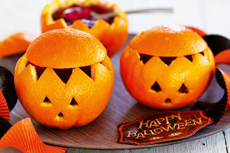 Halloween basteln mit Ornagenschlaen