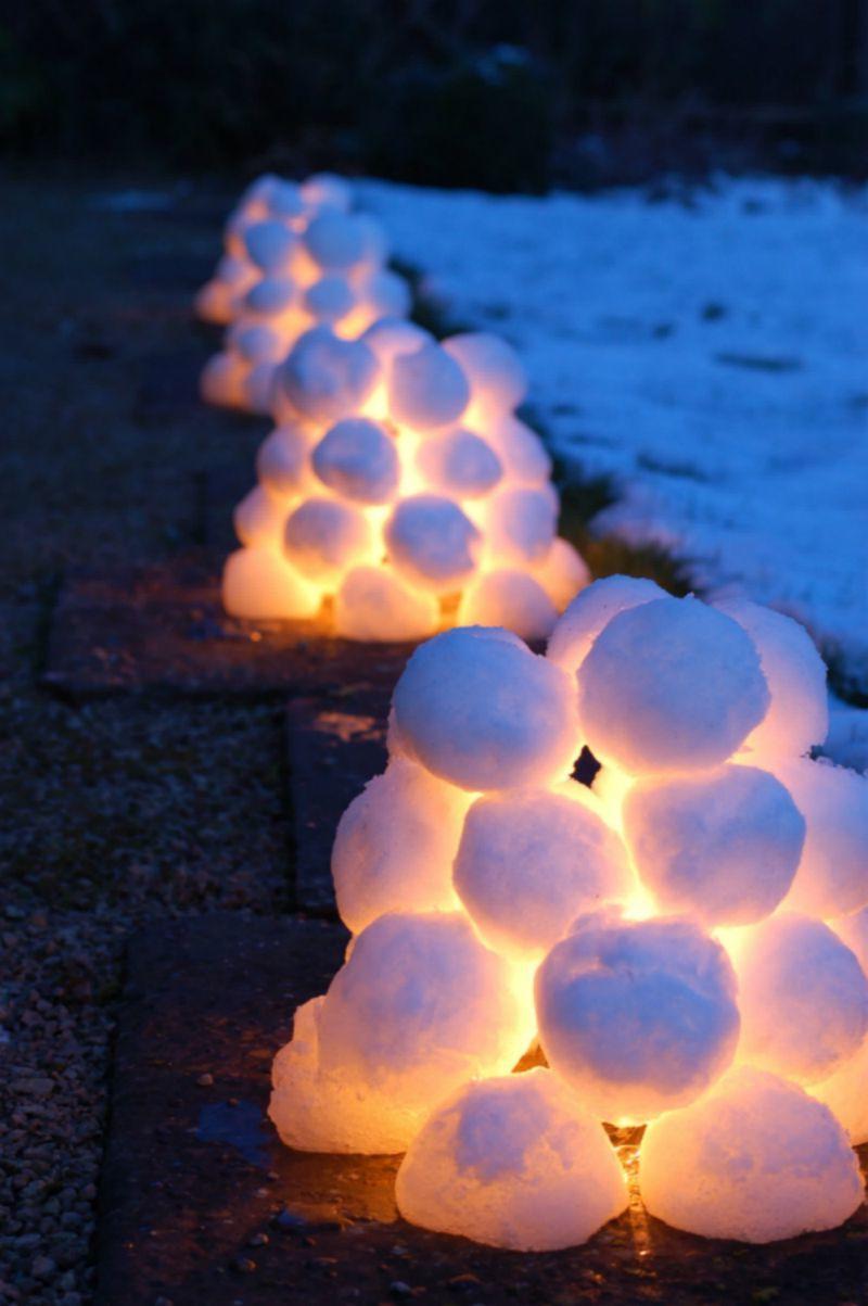 Von Schnee kann auch eine Laterne gemacht werden