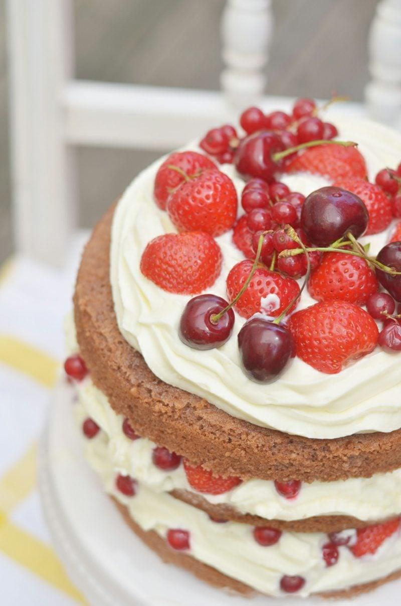 Sallys Rezepte Naked Cake mit Früchten und Sahnecreme