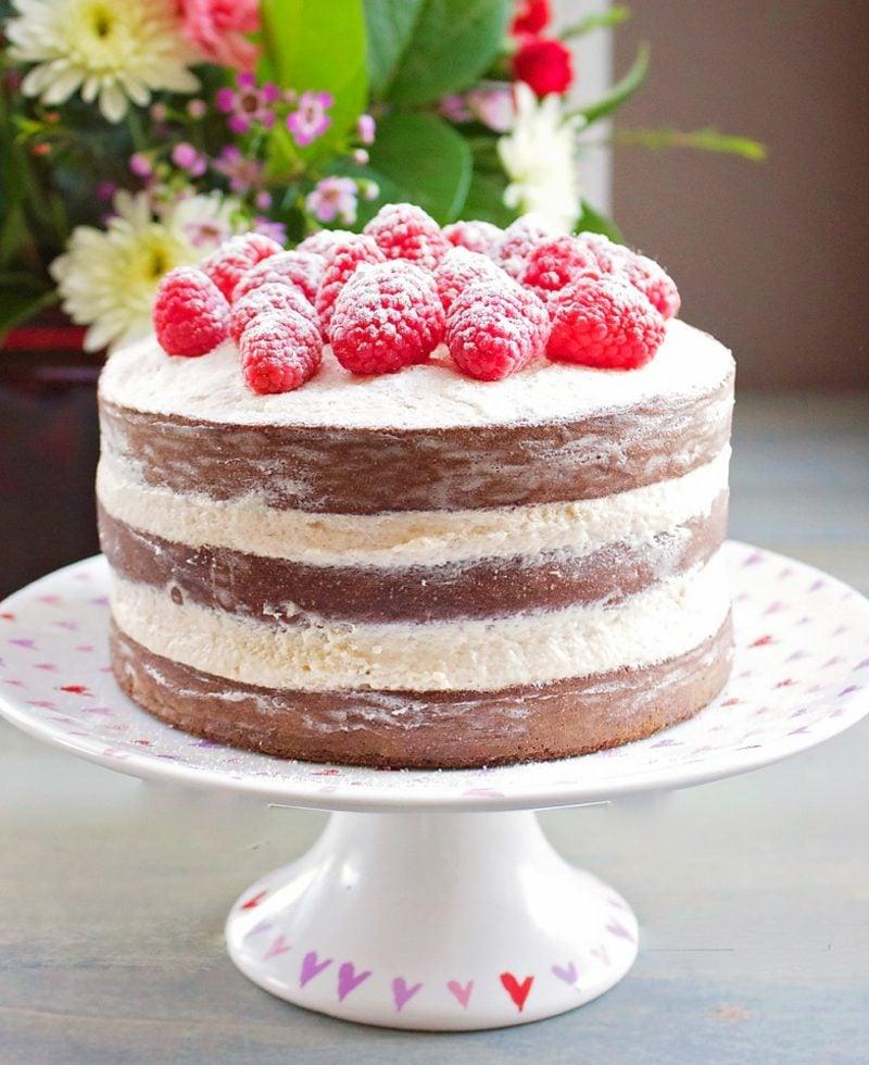 Naked Cake Rezept mit Himbeeren