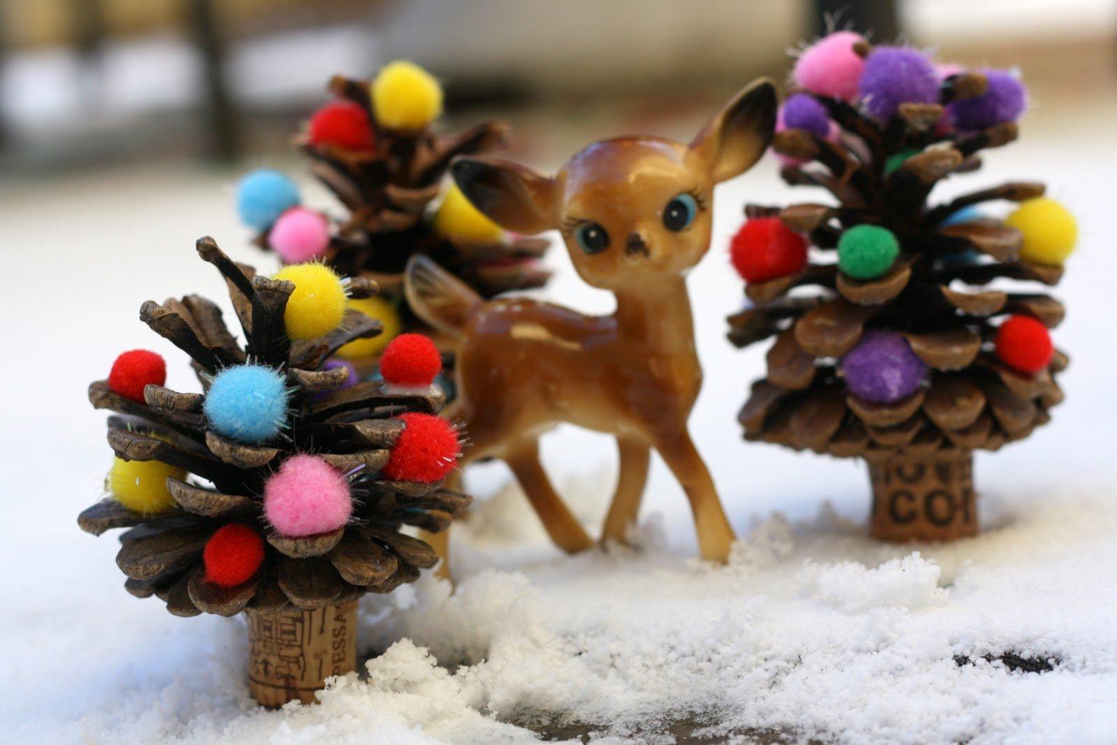 Bambi Weihnachtsdekoration mit Pompoms
