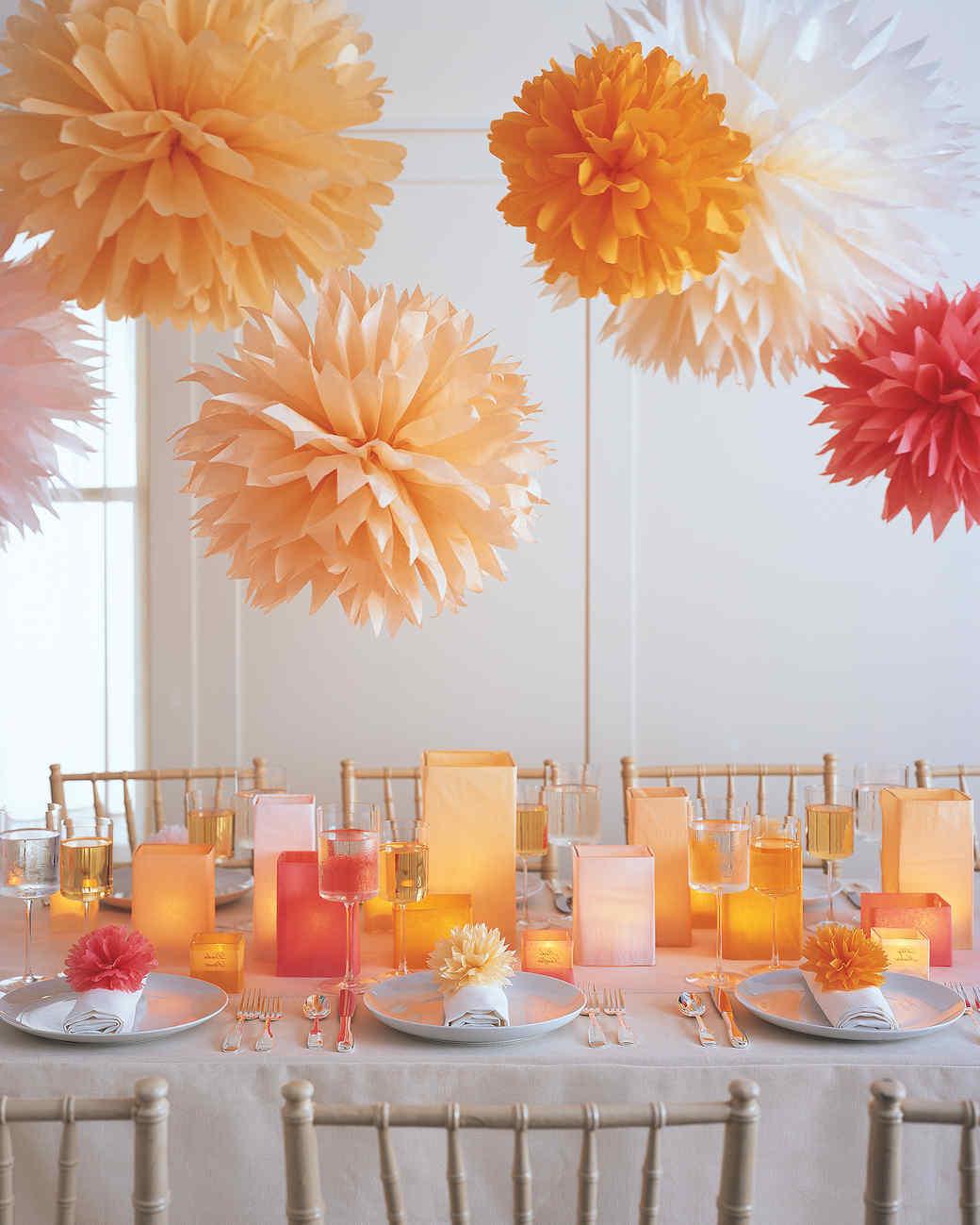 Pompoms basteln als Party-Dekoration
