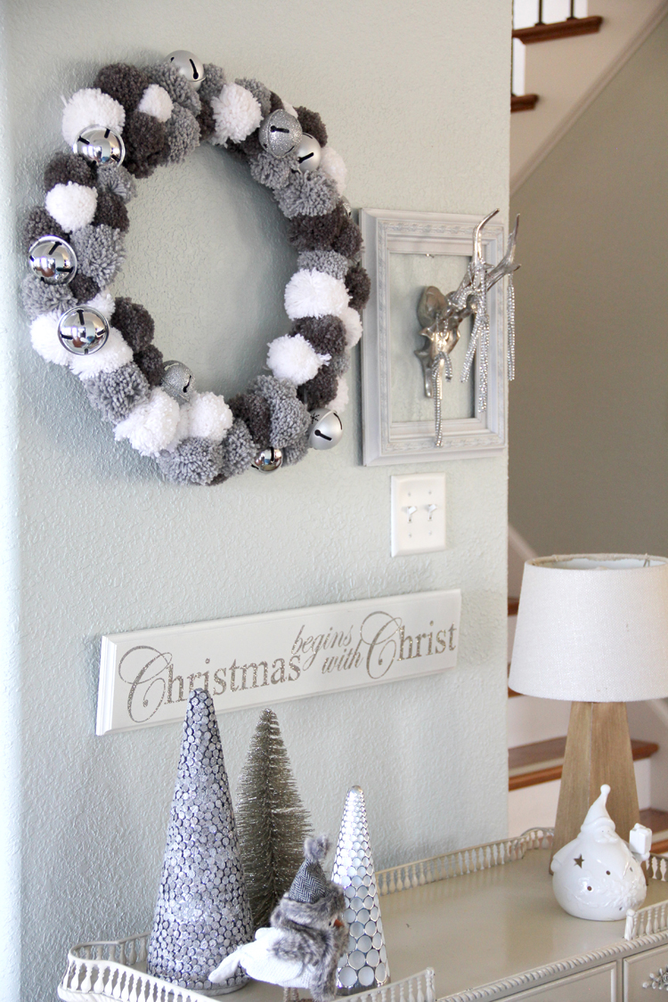 Weihnachtskranz aus Pompoms