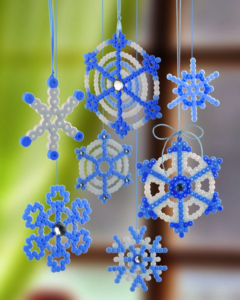 Bügelperlen Vorlagen Weihnachten herrliche Schneeflocken selber machen
