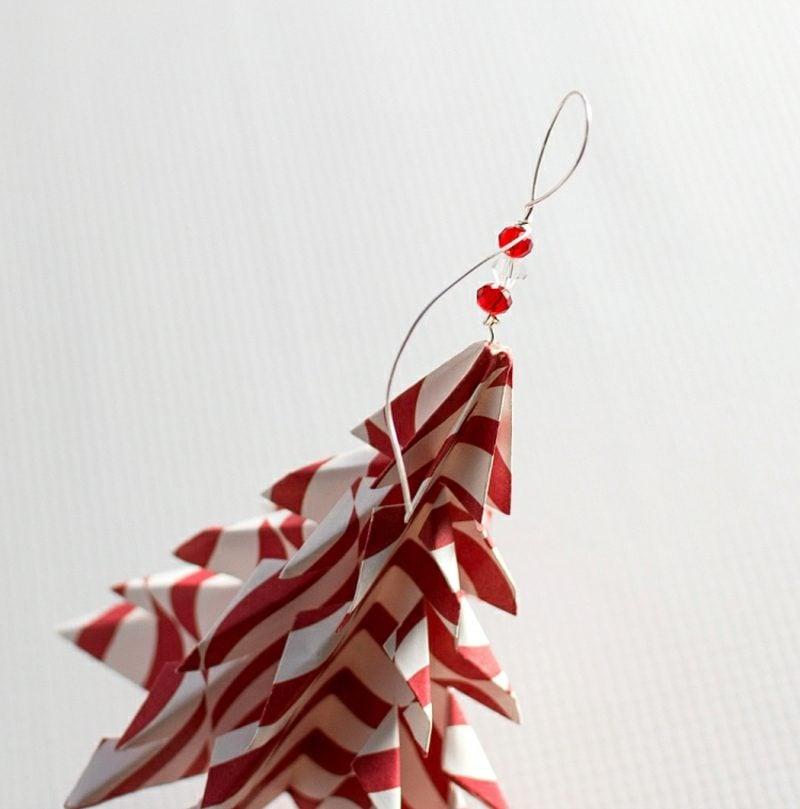 Origami Weihnachten Tannenbaum aus buntem Papier
