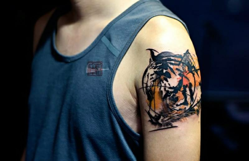 3d tattoos Tiger Oberarm Mann