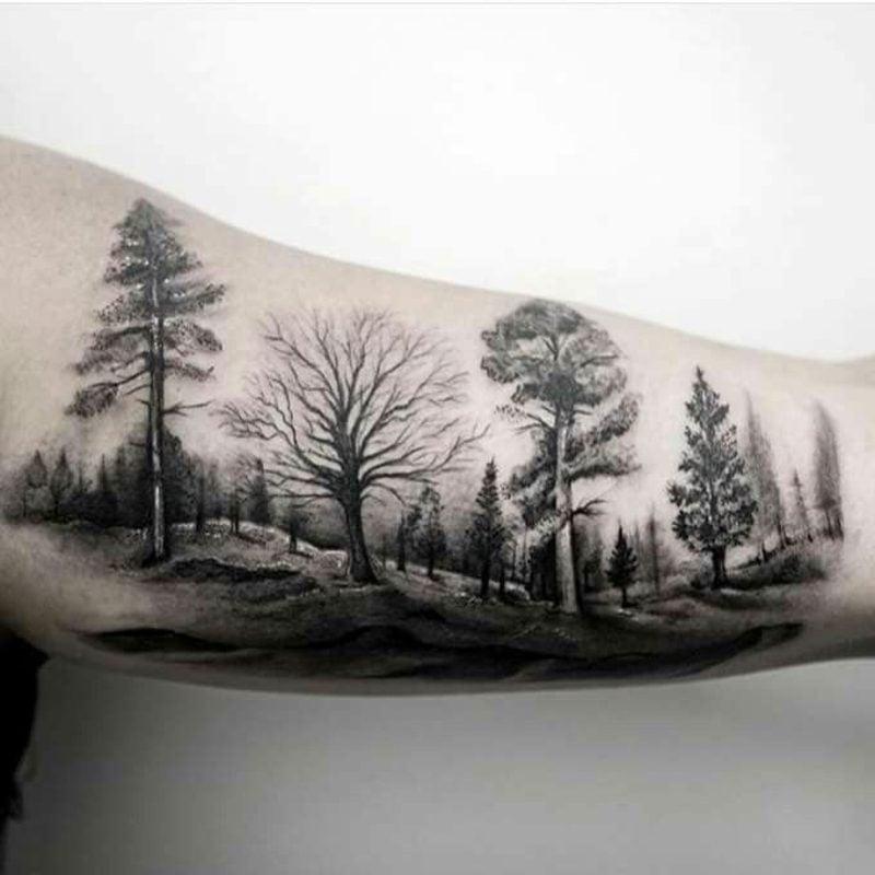Wald Tattoo Mann Oberarm