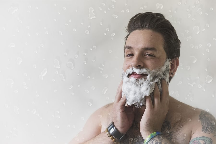 Die richtige Bartpflege beginnt mit Waschen!
