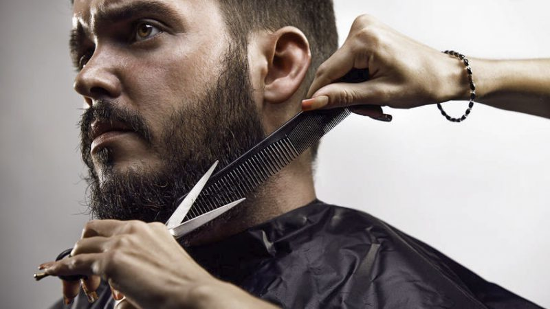 Beim ständigen Stutzen sichern Sie das schönere Aussehen Ihres Barts.