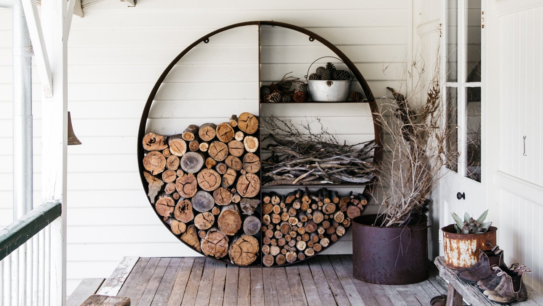 brennholz aufbewahrung innen wohn design. Black Bedroom Furniture Sets. Home Design Ideas