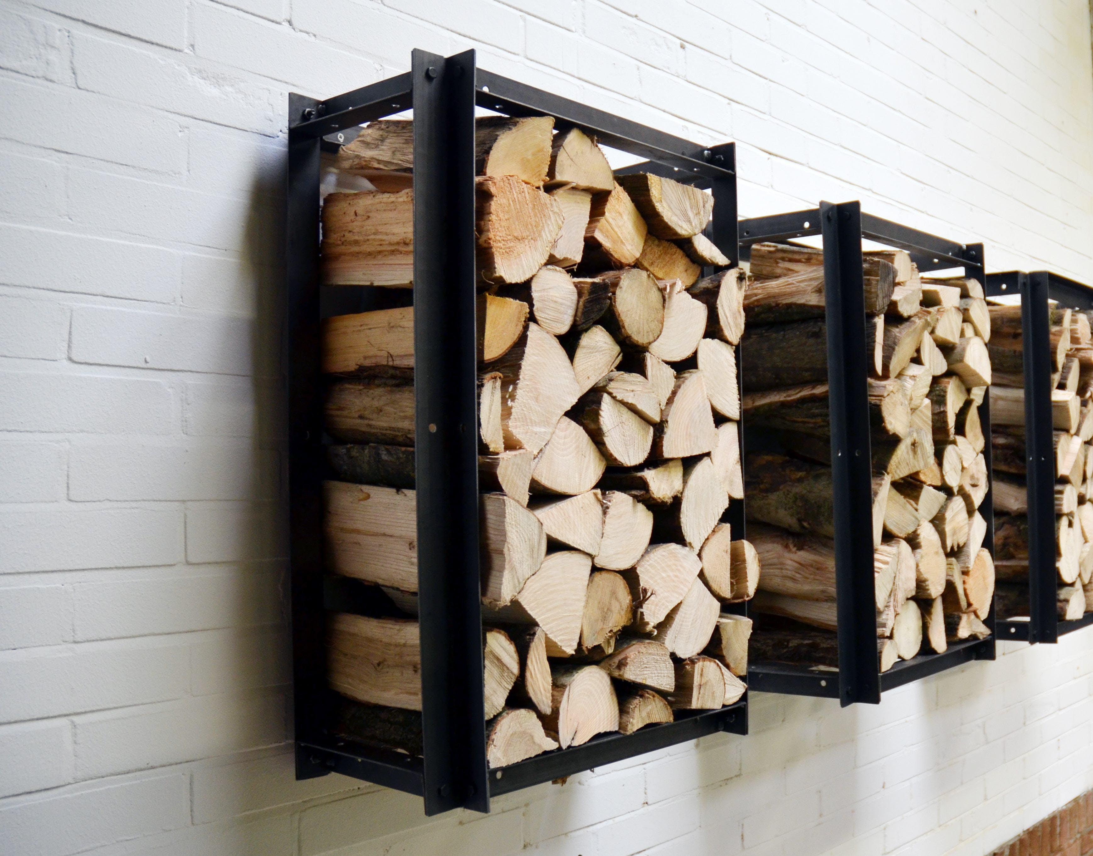 Hängen Sie diese Regale an der Wand, damit Ihr Brennholz trocknen kann