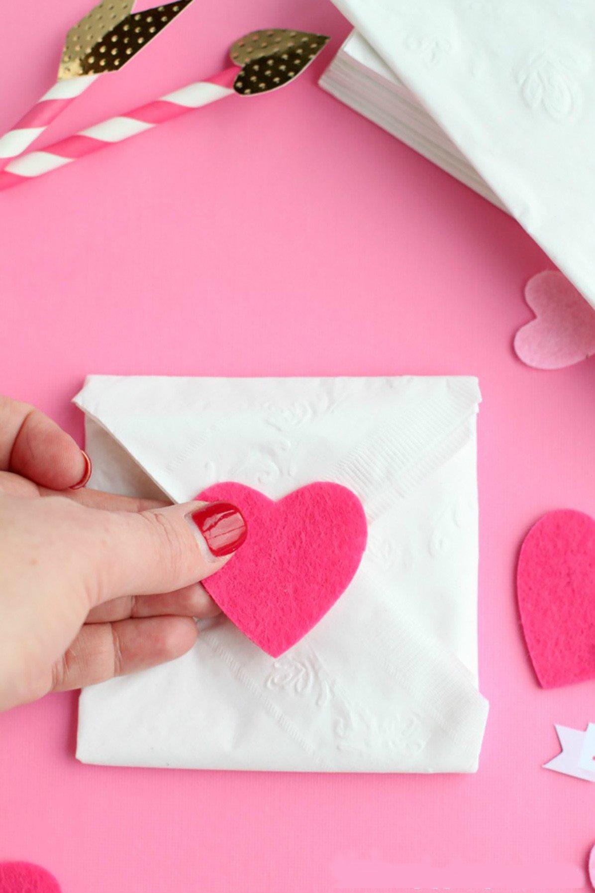Briefumschlag falten Valentistag basteln
