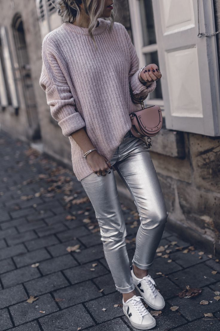Damen Sneakers Outfit