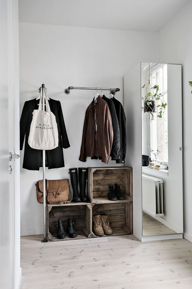 Den Eingangsbereich gestalten Sie mit Hilfe einer schöner Garderobe