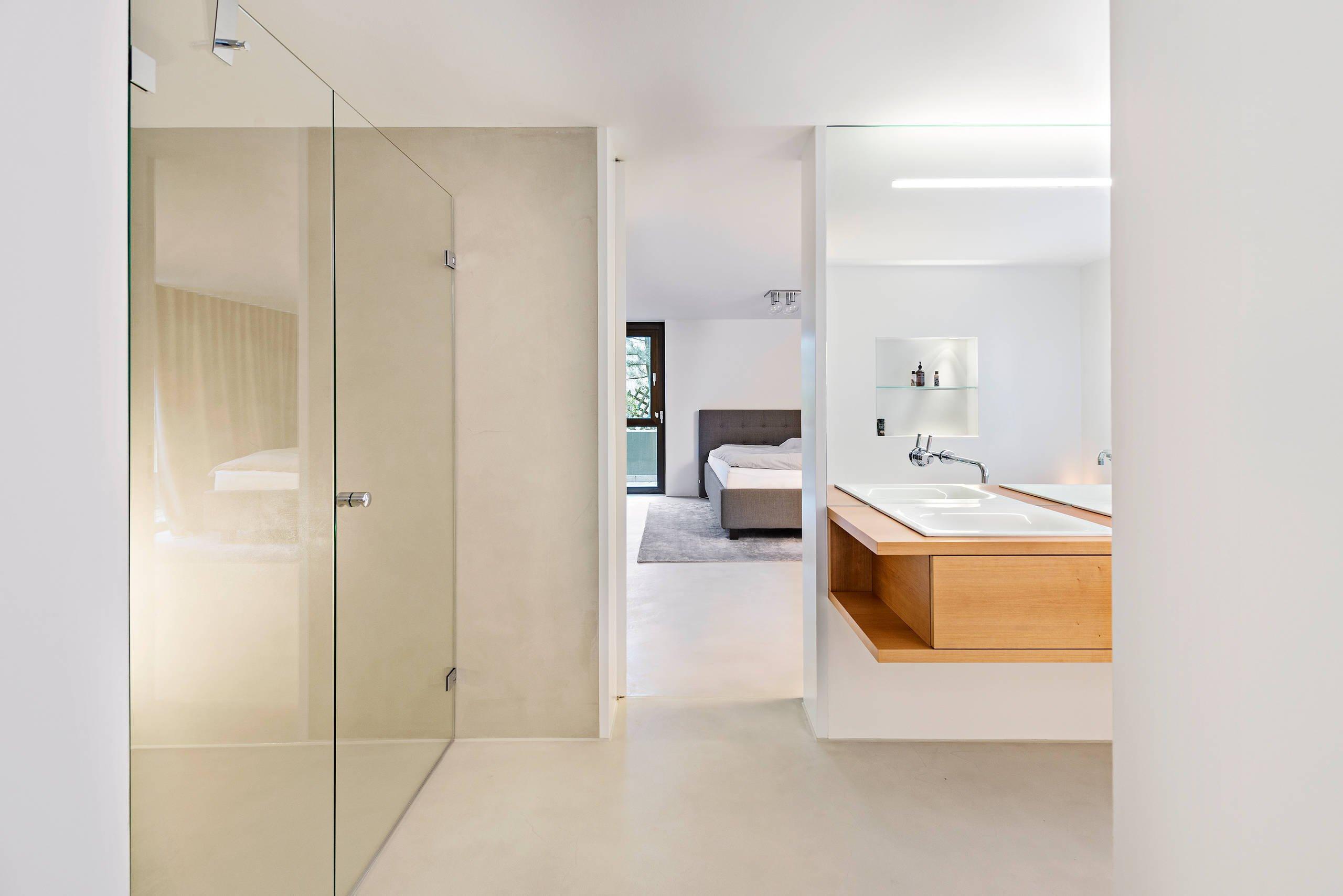 Ein Bad ohne Fliesen sieht schöner als ein Wandfliesen Bad aus