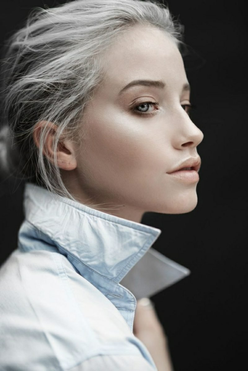 graue Haare eindrucksvoller Look