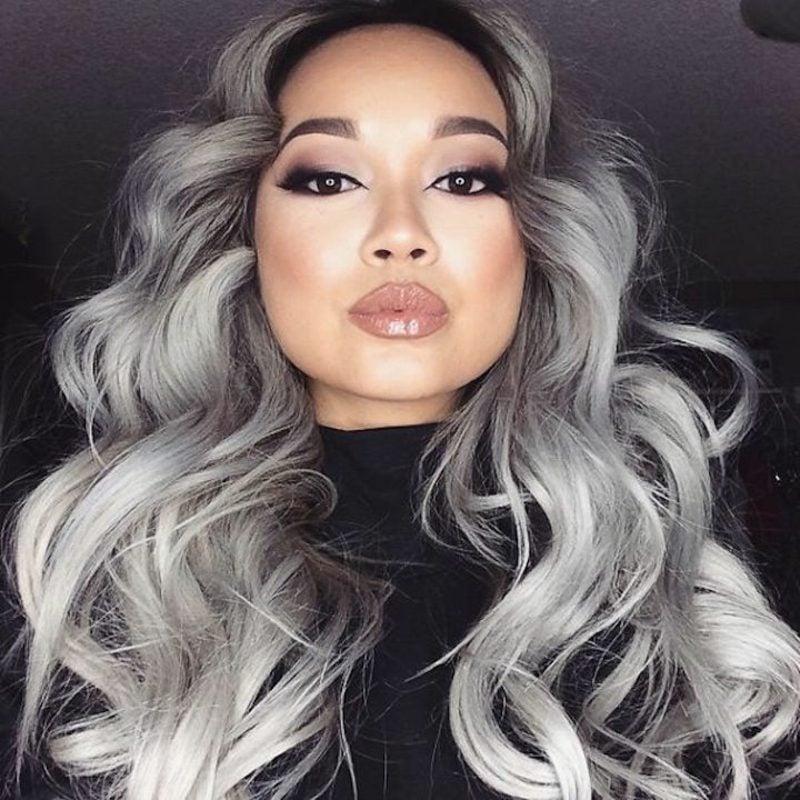 dunkelblonde Haare in Grau färben