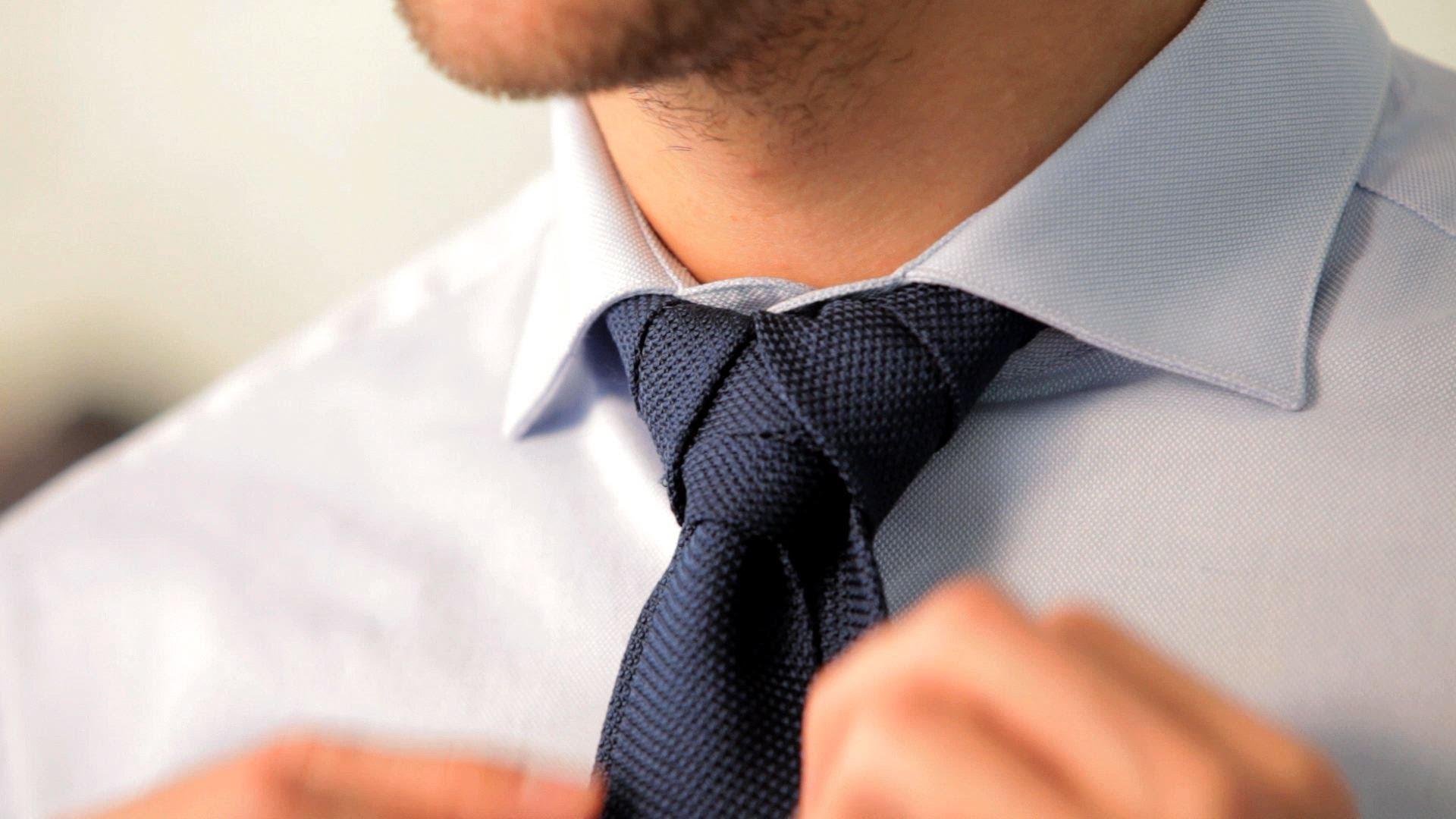 Krawattenknoten binden Sie kinderleicht