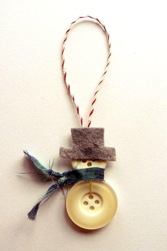 Vintage Christbaumschmuck mit Knopfen