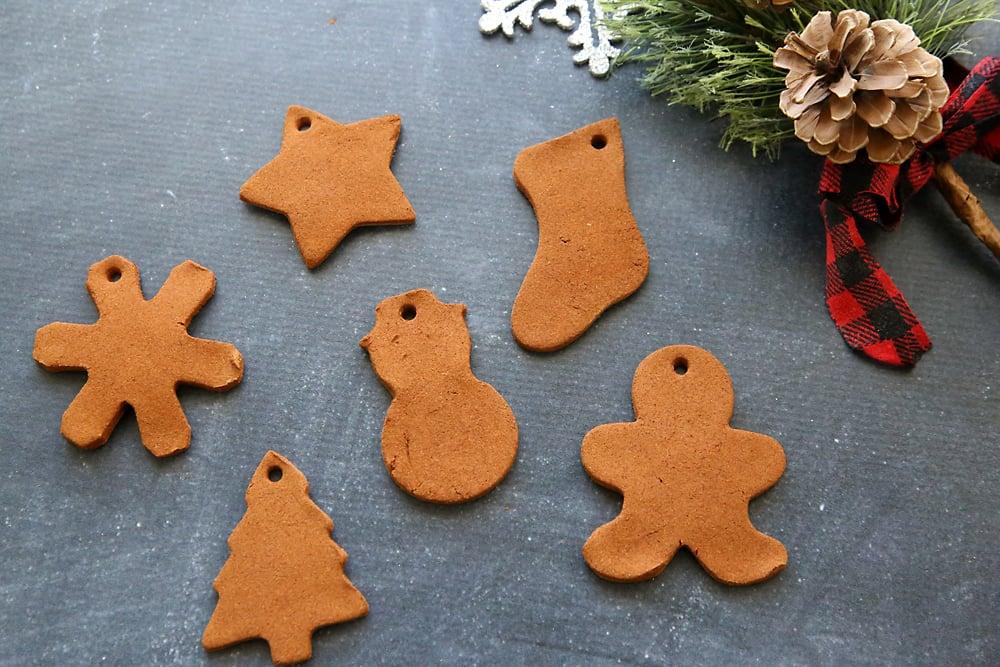 Weihnachtsbasteln mit Kindern - Weihnachtsplätzchen backen