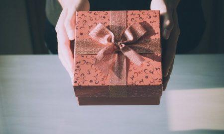 Schenken Sie Ihren Eltern ein echtes Erlebnis durch unsere 101+ Ideen für Weihnachtsgeschenke für Eltern