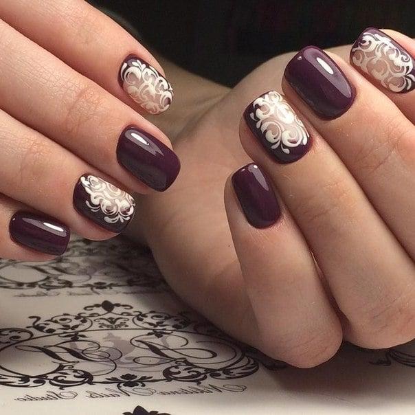 Elegantes Fingernageldesign für kurze Nägel