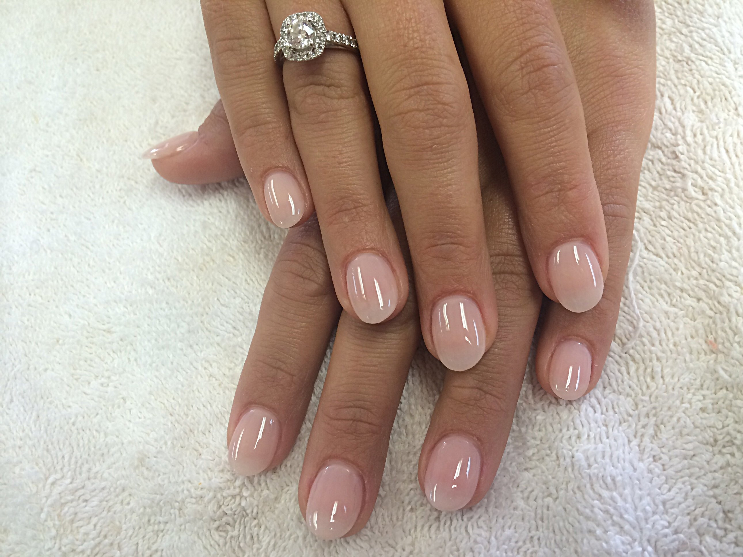 Schlichte Acryl Nägel in Hautfarbe