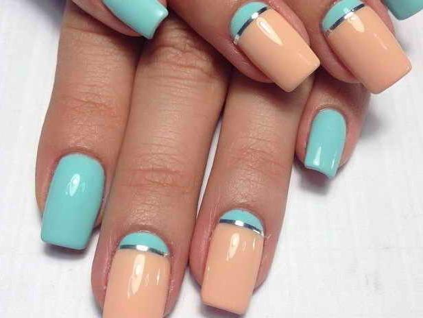 Schlichte Nägel in Pastelfarben