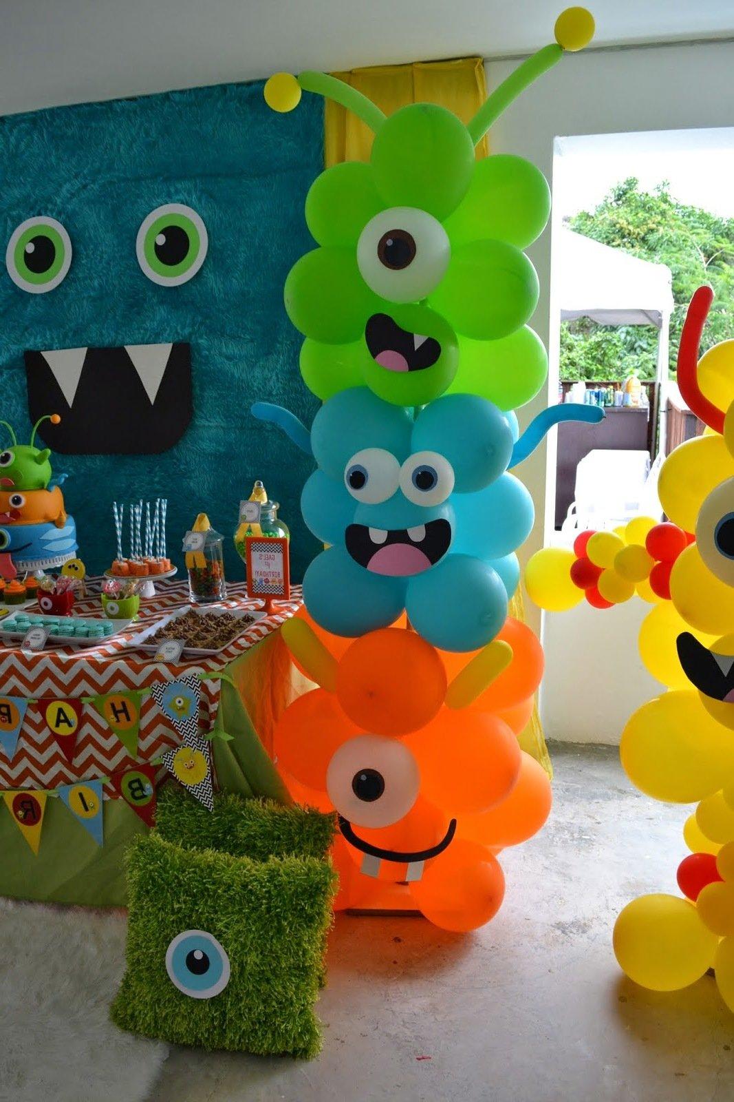 Monsterparty mit vielen Luftbalons
