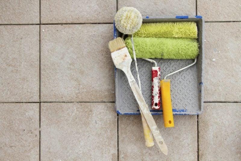 Fliesen Badezimmer selber streichen Anleitung