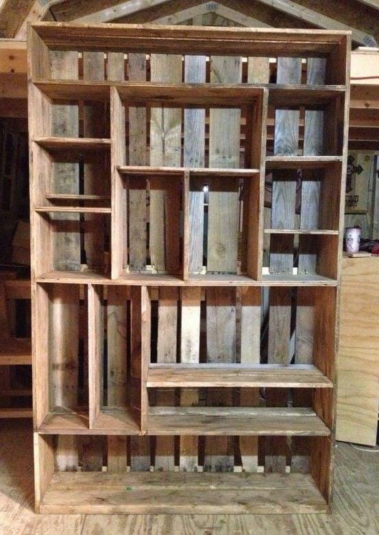 garderobe vintage selber bauen aus Holzkisten