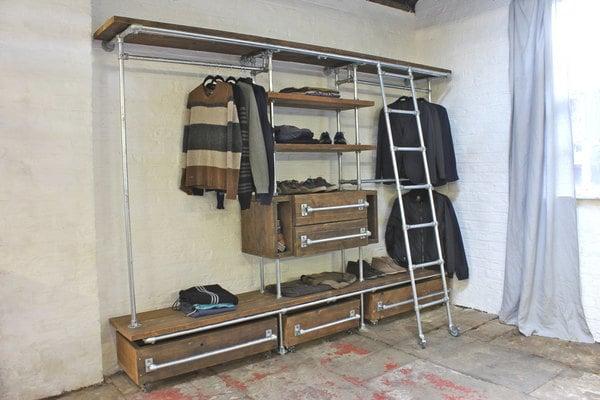 Garderobe selber bauen aus Holz und Metall
