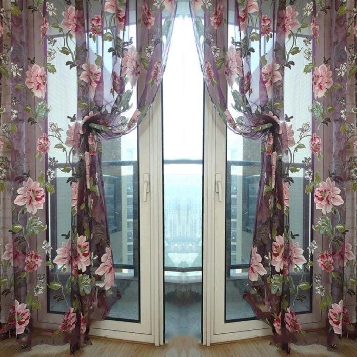 schöne frische Gardinen mit tollen Blumen